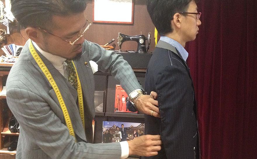 スーツ_仮縫